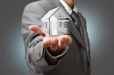 Изображение - Риски продавца при продаже дома или квартиры по материнскому капиталу Prodavec_nedvizhimosti_1_29152159-400x265