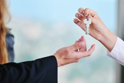 Как продать долю в квартире, если второй собственник против
